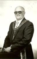 Lyons 1990